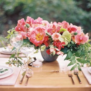 awn design rancho las lomas tropical centerpiece